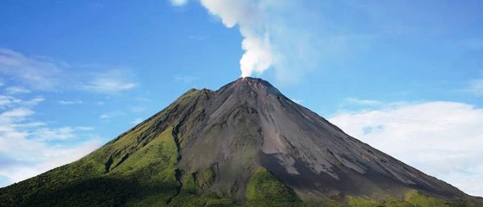 visit arenal volcano during your trip to costa rica