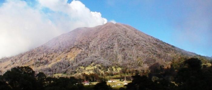 active volcano in costa rica