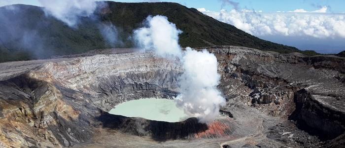 volcano tour in costa rica